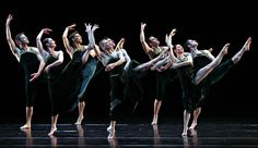 Paul Taylor Dance Company at David H. Koch Theater (Photo: Andrea Mohin/The New York Times)