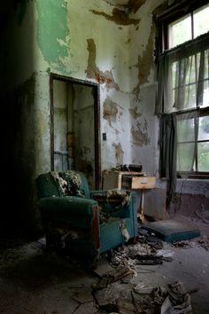 Disemboweled; Norwich State Hospital © opacity.us