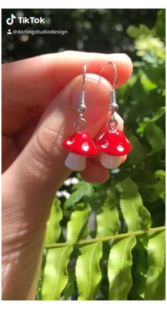 Diy Clay Earrings, Funky Earrings, Polymer Clay Crafts, Polymer Clay Jewelry, Clay Charms, Cute Jewelry, Funky Jewelry, Jewlery, Handmade Jewelry