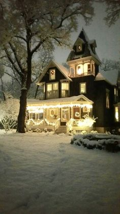 Decorating Your Home For Christmas + Winter - urns and containers filled with greenery for the holidays + This home is breathtaking - so welcoming and beautifully decorated for Christmas - via and State Outdoor Christmas, Winter Christmas, Christmas Home, Christmas Lights, Winter Holidays, Winter Scenery, Christmas Scenes, Victorian Christmas, Christmas Aesthetic