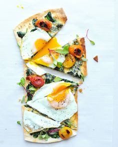 The weekend is so close I can almost taste it.  Up your brunch game with this Breakfast Pizza with garlicky greens  fried eggs. Recipe coming to the blog soon!! - Get more brunch inspiration at noshandnourish.com (link in IG profile)      #brunch #pizza #breakfast #breakfastpizza #friedeggs #eggs #feedfeed @thefeedfeed @flatoutbread #flatoutlove #foods4thought @wholefoods #epicurious #f52grams #thekitchn #bhgfood #beautifulcuisines @beautifulcuisines #foodblogfeed @foodblogfeed #drippyegg…
