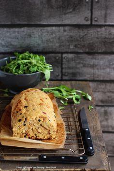 polpettone di pane, tonno, olive e ricotta al forno