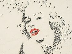 Un artiste utilise la foule pour créer d'incroyables portraits de célébrités