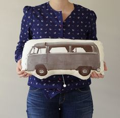 A CUP OF JO: Car pillows. What a nice work.