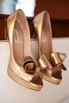 Valentino #valentino #mylist #wedding #weddingideas #weddinginspiration #weddingaccessories