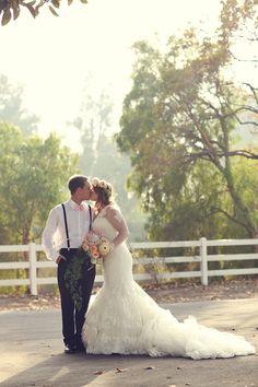vintage barn wedding   Lukas & Suzy VanDyke   Glamour & Grace   #camarilloranch