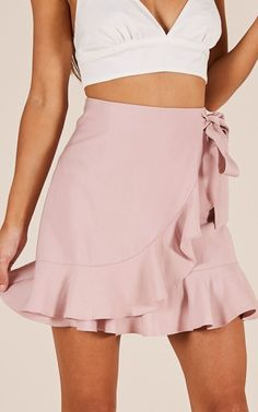 Starten Sie den Party-Rock in Blush Produced Spring Outfits, Trendy Outfits, Cute Outfits, Fashion Outfits, Party Rock, Party Skirt, Party Dress, Skirt Outfits, Dress Skirt
