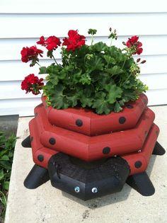 Wooden Planters, Planter Boxes, Garden Crafts, Garden Projects, Flower Planters, Flower Pots, Landscape Timbers, Landscape Timber Crafts, Garden Deco