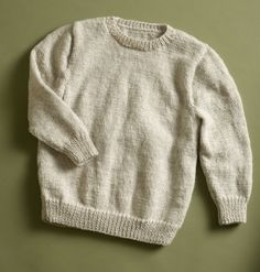 This simple pullover made with Wool-Ease is great whether it's your first knitted garment or you're already an experienced garment knitter!