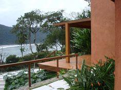 Jardim residencial na praia de Iporanga