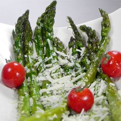 Browse more than vegetable side dish recipes. Find recipes for green bean casseroles, sweet potato fries, grilled corn and much, much more. Pan Fried Asparagus, Asparagus Dishes, Parmesan Asparagus, Asparagus Recipe, Vegetable Side Dishes, Vegetable Recipes, Popular Recipes, New Recipes, Lunch Recipes