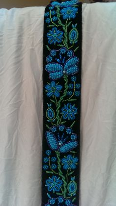 Traditii Shop | Brau de dama Water Cycle, Thread Work, Beaded Embroidery, Floral Tie, Folk Art, Diy And Crafts, Beading, Projects To Try, Cross Stitch