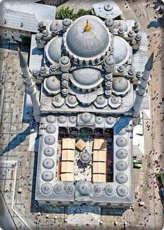 "islamic-art-and-quotes: ""Aerial View of the New Mosque (Yeni Camii) in Istanbul, Turkey (Ottoman Architecture) [This photo was earlier incorrectly labelled as the Selimiye Mosque in Edirne, Turkey.] Originally found on: islamic-cultures "" A As Architecture, Beautiful Architecture, Byzantine Architecture, Renaissance Architecture, Hagia Sophia Istanbul, Sultan Ahmed Mosque, Empire Ottoman, Foto Blog, Beautiful Mosques"