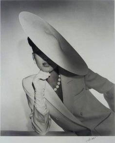 Horst P. Horst, Study in Ivory for Saks Fifth Ave. New York, 1983