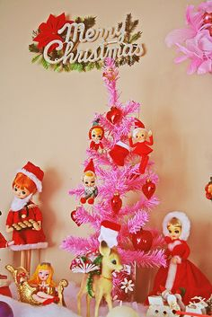 """Vintage pink and red is fabulous and fun! Vintage characters really give help you to """"feel like a kid again"""" at this time of the year!"""