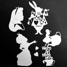 """Sono felice di condividere con voi l'ultima mia creazione, sono appena arrivati nel mio negozio #etsy: i FUSTELLATI (Die Cuts) di """"ALICE in WONDERLAND"""" . Link: http://etsy.me/2tYrVsu . #embellishment #scrapbooking #cardmaking #craft #cartonnage #papercraft #favors"""