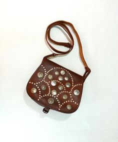 vintage brown leather crossbody bag by PropsandPieces on Etsy