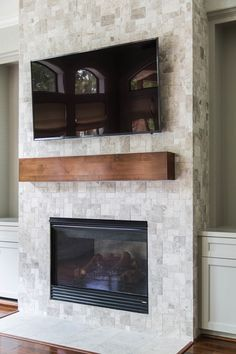 7 Adorable Tips AND Tricks: Shiplap Fireplace Brick craftsman fireplace vaulted ceiling.Fireplace Winter Bedrooms fireplace and tv wall.Old Fireplace Cover. Tv Over Fireplace, Home Fireplace, Fireplace Remodel, Living Room With Fireplace, Brick Fireplace, Fireplace Surrounds, Fireplace Design, Fireplace Ideas, Small Fireplace