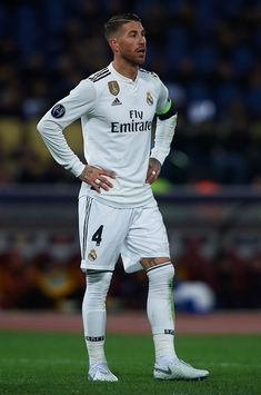 Sergio Ramos of Real Madrid looks on during the Group G match of the UEFA Champions League between AS Roma and Real Madrid at Stadio Olimpico on November 2018 in Rome, Italy. Get premium, high resolution news photos at Getty Images Ronaldo Football, Fifa Football, Best Football Players, Soccer Players, Real Madrid Football Club, Real Madrid Players, Sergio Ramos Body, Real Madrid Captain, David Beckham Style