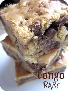 Congo Bars on MyRecipeMagic.com from the Six Sisters are the perfect dessert for dinner tonight! #bars #congo