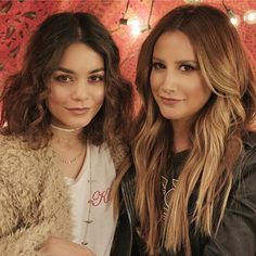 Vanessa Hudgens And Ashley Tisdale Have A Boozy Brunch With Frozen Wine - http://oceanup.com/2017/03/13/vanessa-hudgens-and-ashley-tisdale-have-a-boozy-brunch-with-frozen-wine/