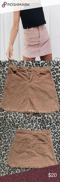 Brandy Melville Skirt💓 Super soft and only worn a few times! Fits like an xs-small and looks amazing on. Unfortunately too small for me now- comment any questions(: Brandy Melville Skirts
