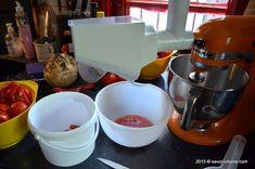 Bulion de rosii - reteta mamei mele | Savori Urbane Kitchen Aid Mixer, Kitchen Appliances, Urban, Diy Kitchen Appliances, Home Appliances, Kitchen Gadgets