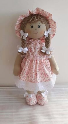 Pretty Dolls, Cute Dolls, Beautiful Dolls, Baby Gifts To Make, Diy And Crafts, Arts And Crafts, Doll Patterns Free, Sewing Toys, Fabric Dolls