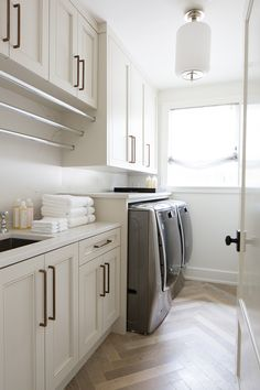 laundry room home design and decor Mudroom Laundry Room, Laundry Room Layouts, Laundry Room Remodel, Laundry Room Organization, Laundry Room Bathroom, Laundry Room Cabinets, Küchen Design, House Design, Laundy Room