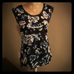 Vera Wang crinkle tank tunic NWT! Adorable with sheer ribbon trim at neckline and sleeves.  Navy with shades of blue and purple, raw edge high-low hem. Simply Vera Vera Wang Tops
