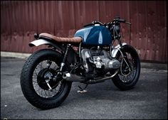 R75/7 #2      Based on a 75  R75 serie 7 BMW       Custom frame lowered back end -4cm,      fork dropped  machined -8cm and rethreaded.  ...