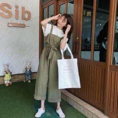 Korean Fashion – How to Dress up Korean Style – Designer Fashion Tips Korean Girl Fashion, Korean Fashion Trends, Ulzzang Fashion, Korean Street Fashion, Korea Fashion, Japanese Fashion, Cute Fashion, Asian Fashion, Fashion Outfits