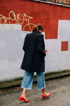 red block heels + frayed denim culottes