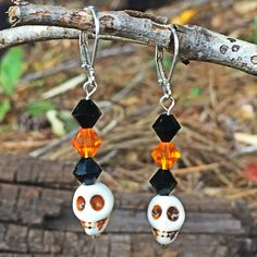 Get your spooky on!! Adorable Halloween earrings now in the shop!!