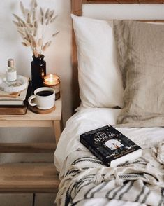 Casa Hygge, Hygge Home, Home Bedroom, Bedroom Decor, Bedrooms, Bedroom Candles, Bedroom Ideas, Bedroom Inspo, Home And Deco