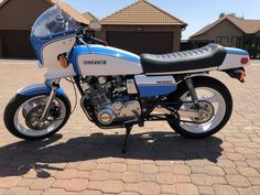 Bikes For Sale, Motorcycles For Sale, Japanese Motorcycle, Motorcycle Manufacturers, Cb750, Motorcycle Engine, The Big Four, Car Shop, Old Skool