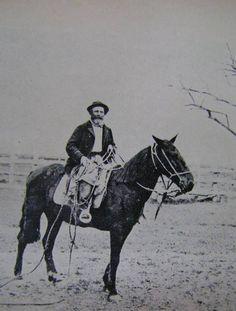 ENLAZADOR - Pcia de BsAs - 1890 Horses, Animals, Block Prints, Antique Photos, Argentina, Art, Animales, Animaux, Animal