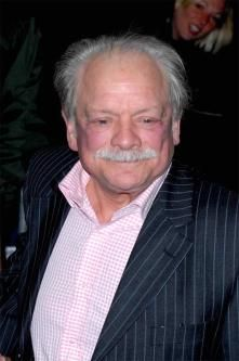 David Jason Will Star In 'Open All Hours' Christmas Special Comedy Actors, Actors & Actresses, Mystery Tv Series, Sherlock Au, Open All Hours, A Touch Of Frost, David Jason, Only Fools And Horses, David Attenborough