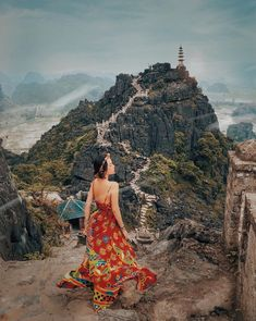 """Mua Cave – Beautiful """"Check-In"""" Destination In Ninh Binh Only 90 km from Hanoi, the Mua Cave is the great destination that this article would like to recommend for you if you want to have a fun trip with overwhelming photos. Vietnam Travel Guide, Photos Voyages, Koh Tao, Bali Travel, Belleza Natural, Travel Aesthetic, Vintage Girls, Travel Around The World, Travel Inspiration"""