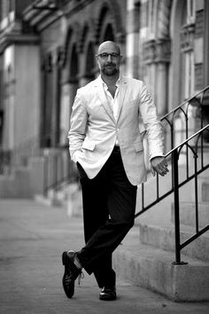 Stanley Tucci : Bald Men of Style Sharp Dressed Man, Well Dressed, Bald Men Style, Stanley Tucci, Gorgeous Men, Beautiful People, Costume, Hunger Games, Sexy Men