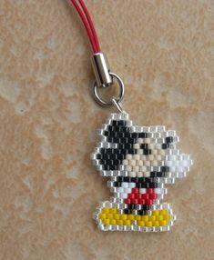 images about 1 Disney peyote Peyote Stitch Patterns, Seed Bead Patterns, Jewelry Patterns, Beading Patterns, Brick Stitch Earrings, Seed Bead Earrings, Bead Crafts, Jewelry Crafts, Seed Bead Projects