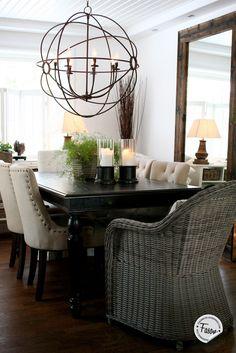 Orb chandelier from Artwood since 1969 #dining #livingroom #vardagsrum #newengland #rustic