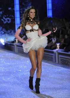 My favorite model! Alessandra Ambrosio at the Victorias's Secret Fashion Show 2001