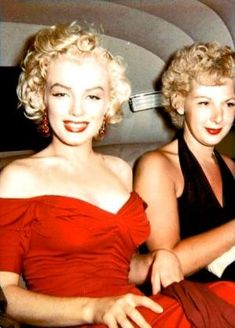 """""""Marilyn Monroe heading to the premiere of Monkey Business, 1952. """" by SundayLady"""