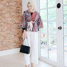 Model Baju Batik Kombinasi Model Dress Batik, Batik Dress, Blouse Batik Modern, Batik Muslim, Mode Batik, Casual Hijab Outfit, Hijab Chic, Moslem Fashion, Batik Kebaya