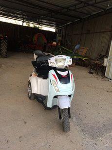 beyaz 3 tekerlekli motorlu scooter in Subaşı Belediyesi - letgo