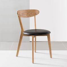 Pre-Order and save on the Henrik Solid Oak Dining Chair - Black Top Grain Leather Seat - Icon By Design. Timeless furniture you can afford to love. Cheap Dining Room Chairs, Wooden Dining Chairs, Outdoor Furniture Chairs, Scandinavian Dining Chairs, Wayfair Living Room Chairs, Cheap Chairs, Mid Century Dining Chairs, Contemporary Dining Chairs, Outdoor Glider Chair