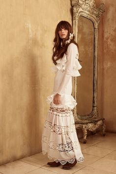Johanna Ortiz Resort 2018 Collection Photos - Vogue#rexfabrics#purveyoroffinefabrics#cometousforfashion#passionforfabrics
