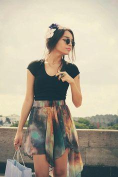 Galaxy skirt hi-low skirt and black t-shirt Looks Street Style, Looks Style, Style Me, Style Indie, Hippie Style, Hippie Chic, Boho Style, Indie Fashion, Fashion Beauty