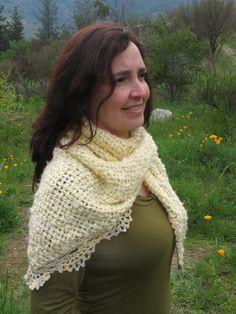 Chal a telar con puntilla a crochet